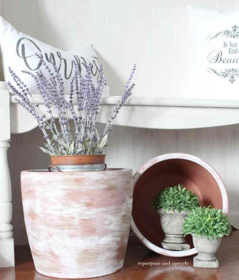 How-to-age-a-Clay-Terra-Cotta-pot-with-paint