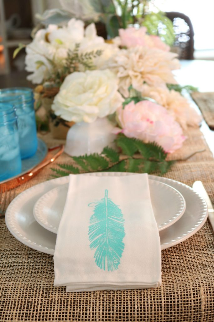 Feather napkins for farmhouse dining room