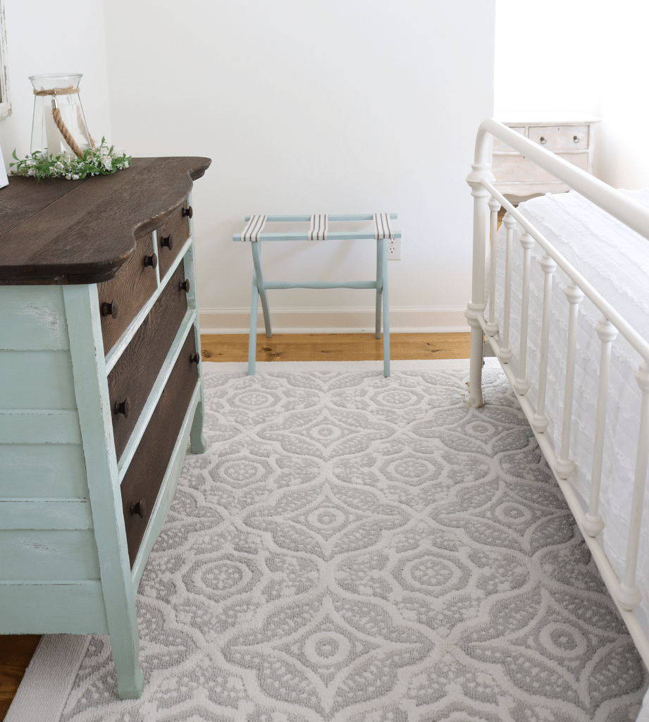 Cozy rug for guest room