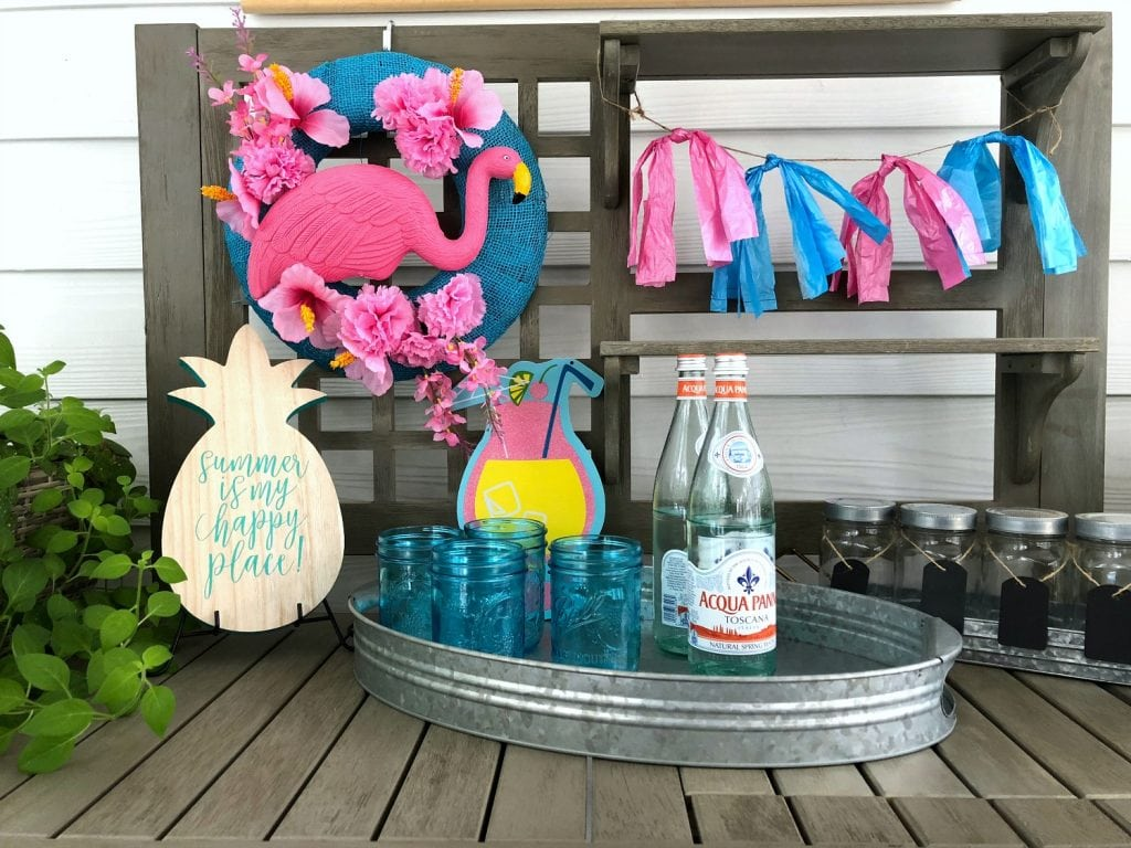 Flamingo Wreath Party Decor