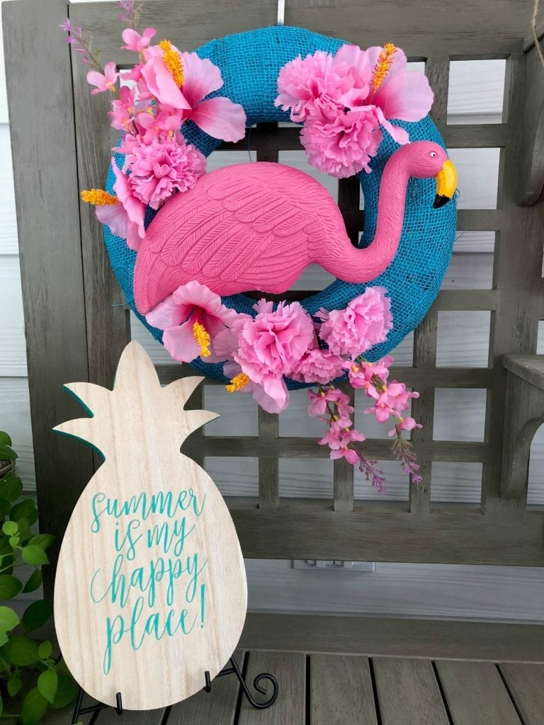 Fun flamingo wreath for summer