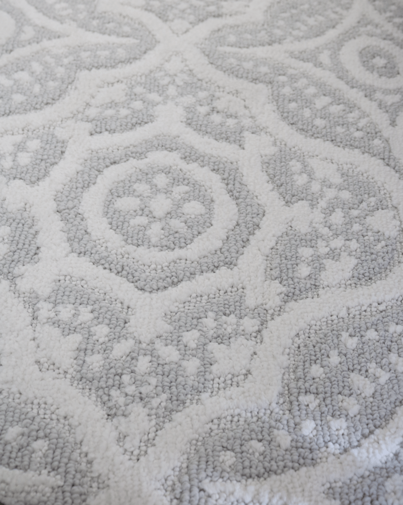 Texture of rug for guest room