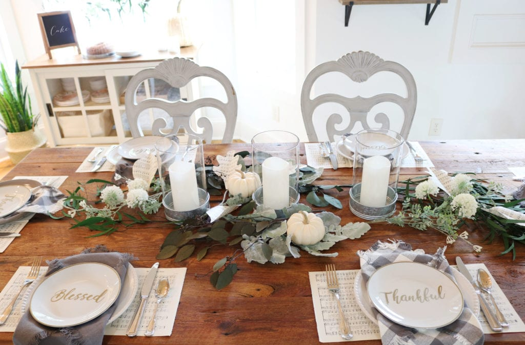 Farmhouse dining fall table