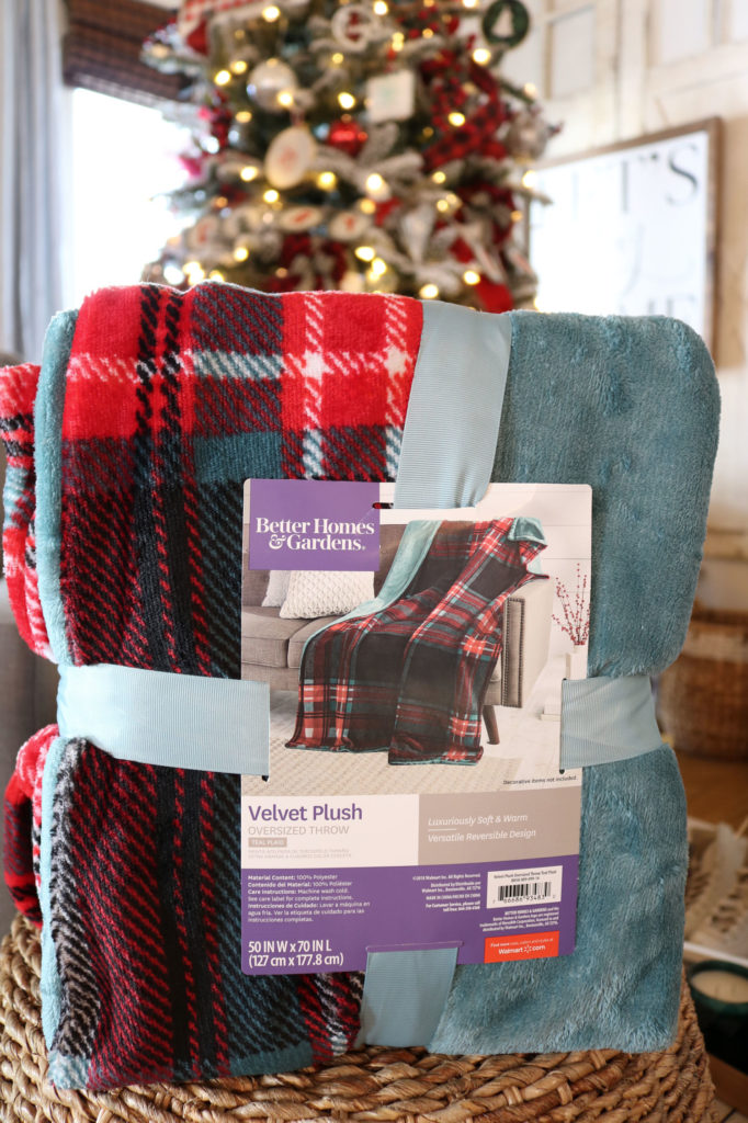 Warm and cozy Throws - Christmas Gift Ideas Under $25