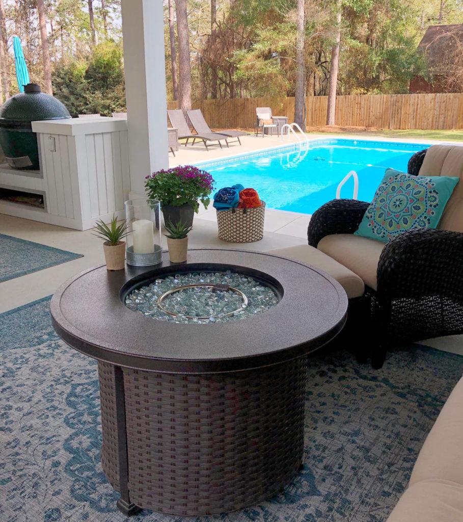 Poolside porch