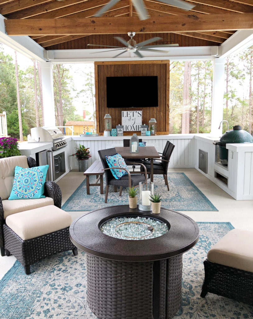 Southern porch living