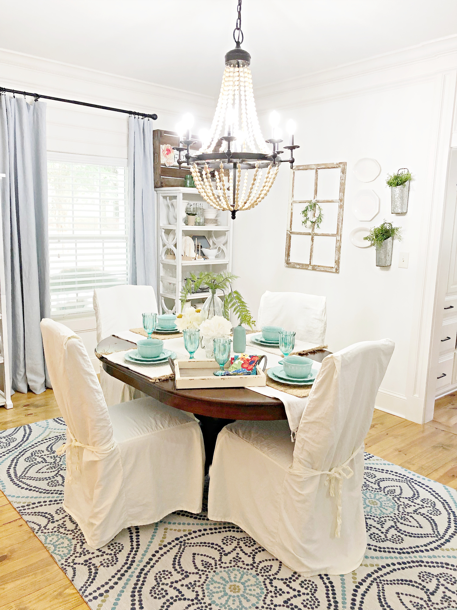 Farmhouse Vintage dining idea