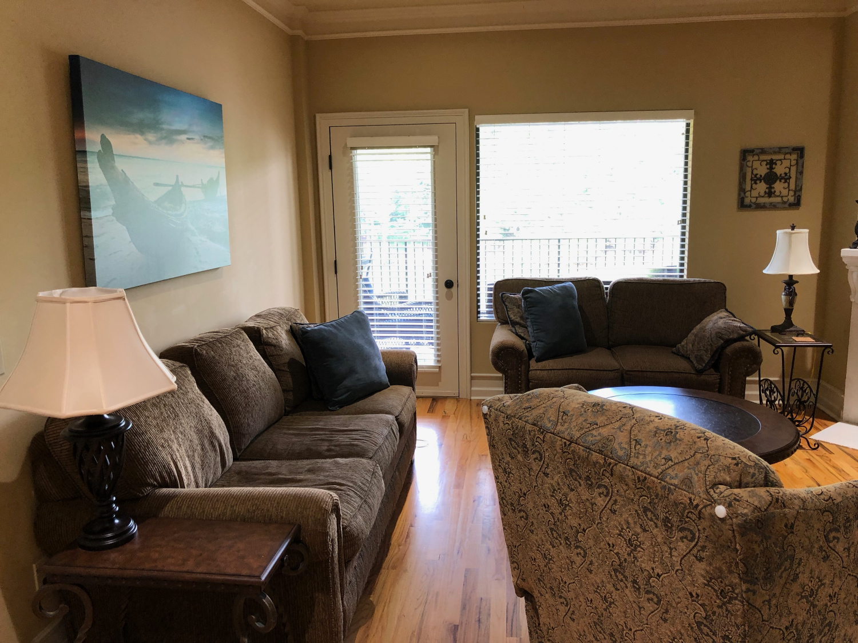 Liv room condo