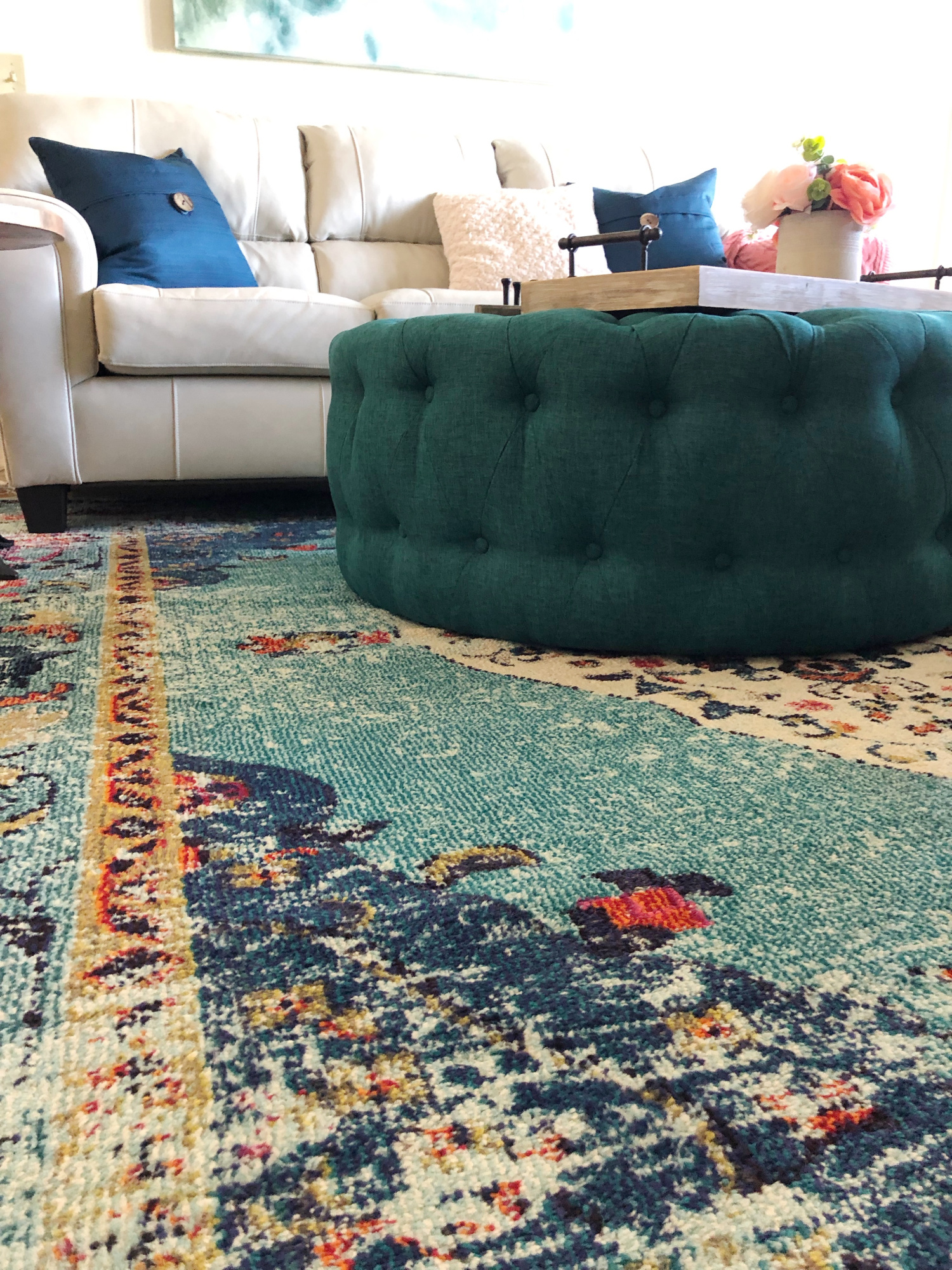 Rug and ottoman teal accents - TEAL LIVING ROOM DECOR - LAKE CONDO or Beach