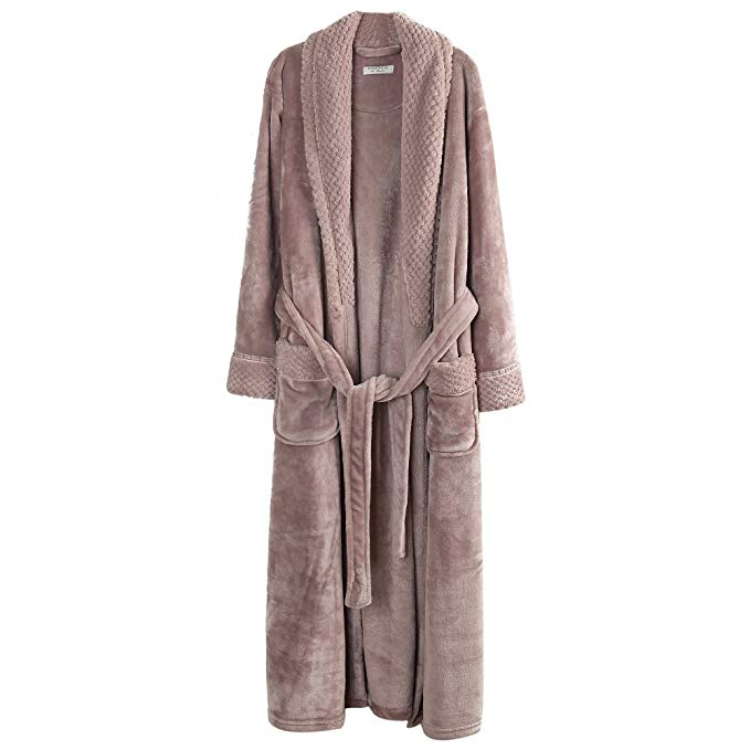 Fleece Cozy Bathrobe | Warm and Cozy Gift Ideas